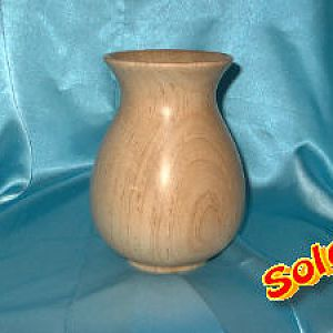 Medium Maple vessel