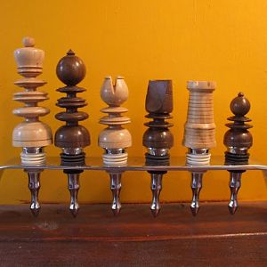 St George style wine bottle stopper set