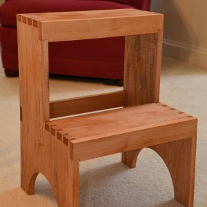 ERF_0497_Shaker_Step_Stool_E2_Small.jpg