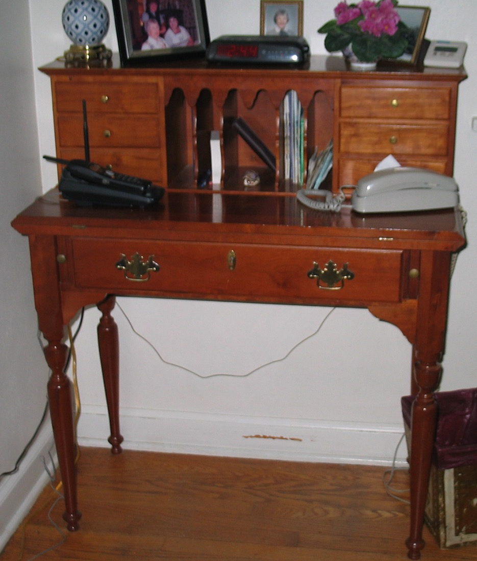 1 writing desk - 1.jpg