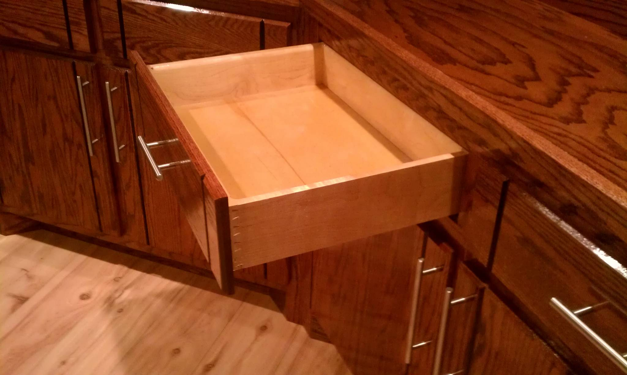 Dovetail Drawer w/ Blum Tandom Self Closing Drawer Guides
